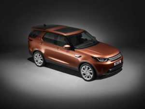 novo-land-rover-discovery_studio_front_compressed